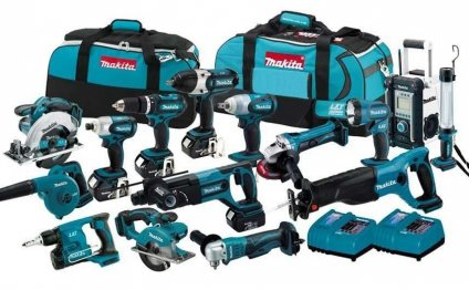 This Makita tool kit includes